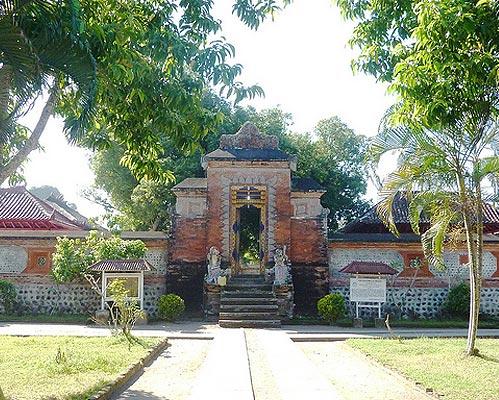 pura lingsar objek wisata lombok